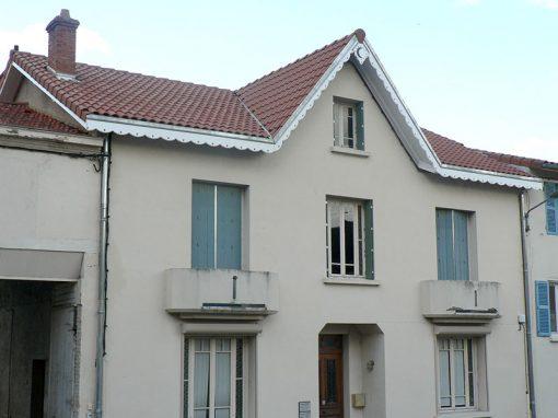 Réfection de la toiture d'une maison de caractère, en ville