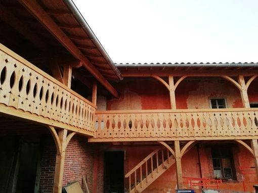 Réhabilitation charpente et balcon Forézien ancienne ferme